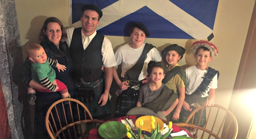 A Scottish Party Theme Is Nice For Adult Birthdays Or An Evening Of Fun And Celebrating The Success This Type Really Depends On Guests