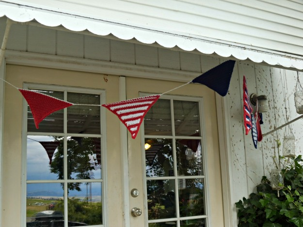 Patriotic crotchet bunting