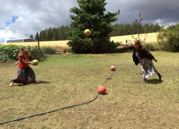 Dodgeball War!